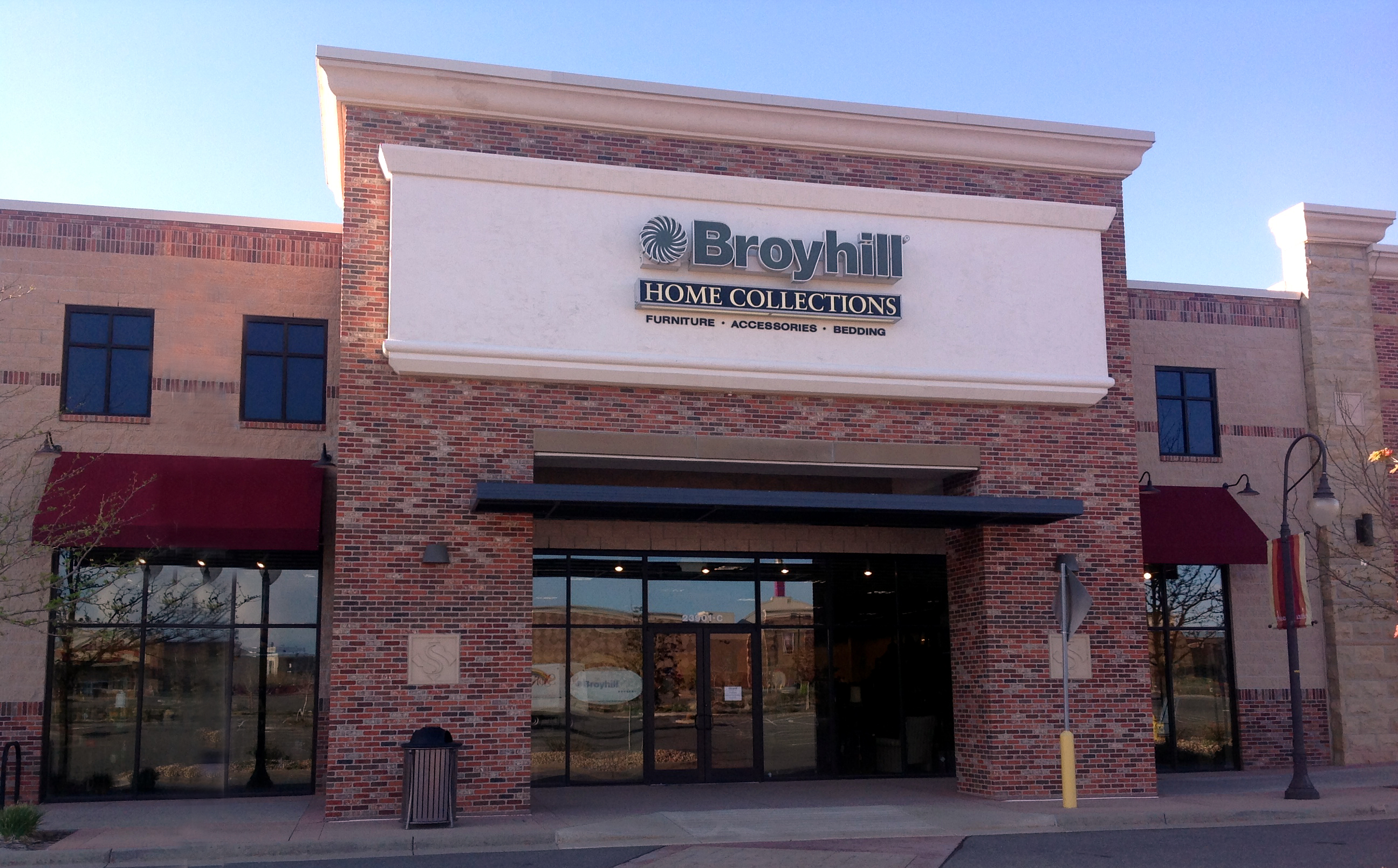 Broyhill Home Collections Is Unique In The World Of Furniture Stores. Our  Philosophy And Deep Roots Within The Industry Have Blossomed This Store  Into A ...