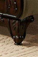 Cabriole Legs with Acanthus Leaf Design