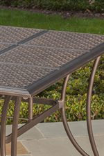 Aluminum Stamped Table Top with Flared Legs