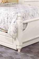 Round Finials and Decorative Carvings on Bed Posts
