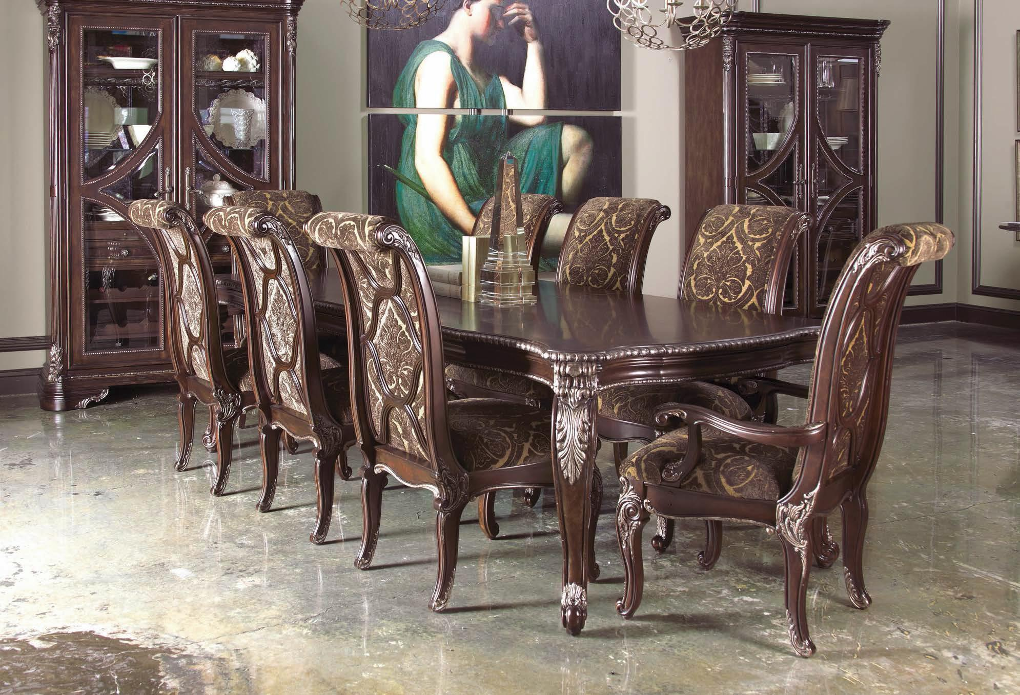 ART Furniture Inc Gables Traditional Leg Dining Table With Carved Cabriole Legs 2 Leaves
