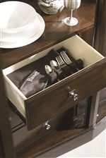 Luxury Features like Felt Lined and Silverware Tray Drawers