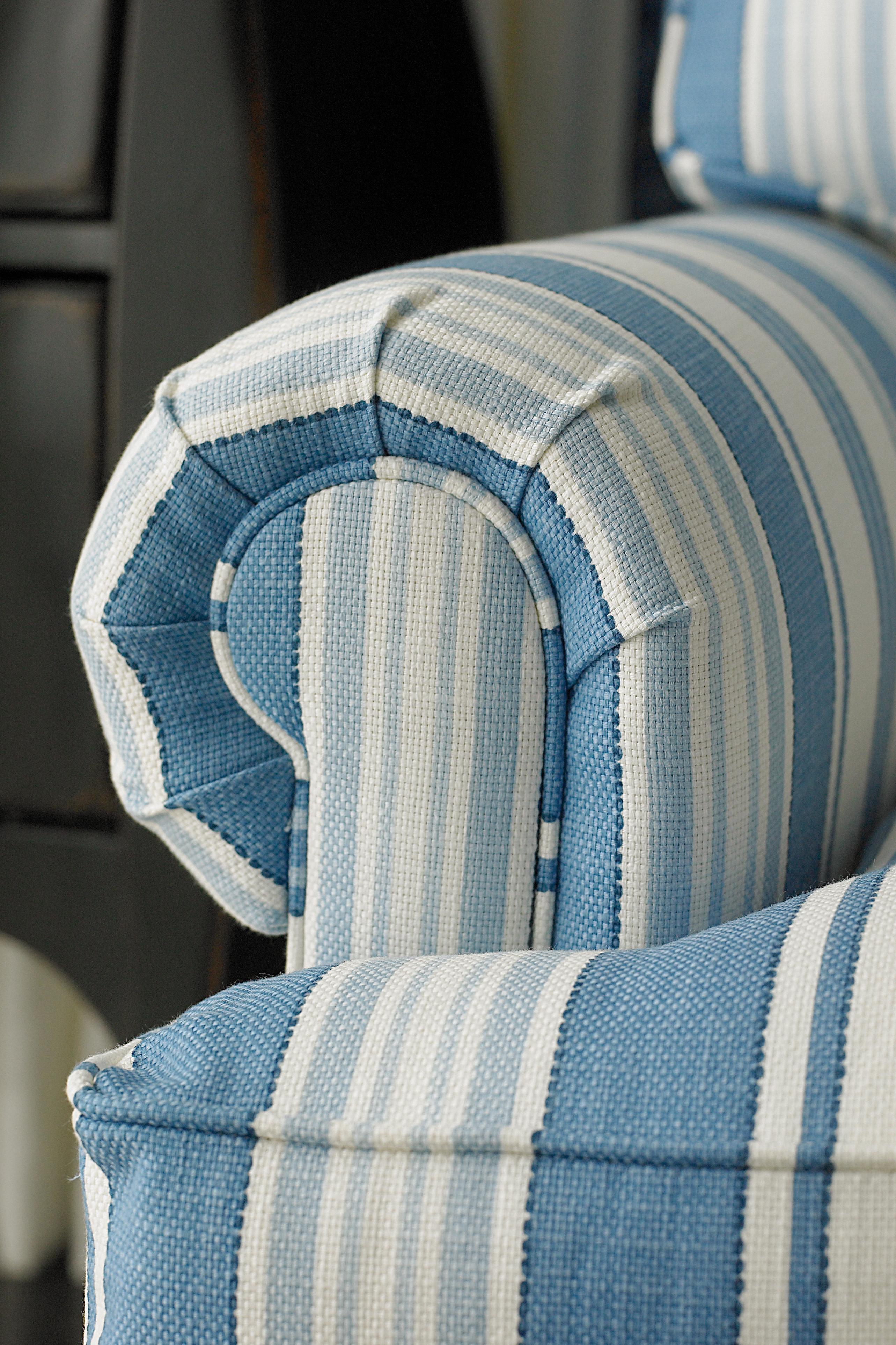 Custom Upholstery Townhouse b Customizable b Stationary Sofa