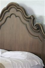 Thick Moldings Emanate Classic Italian Design