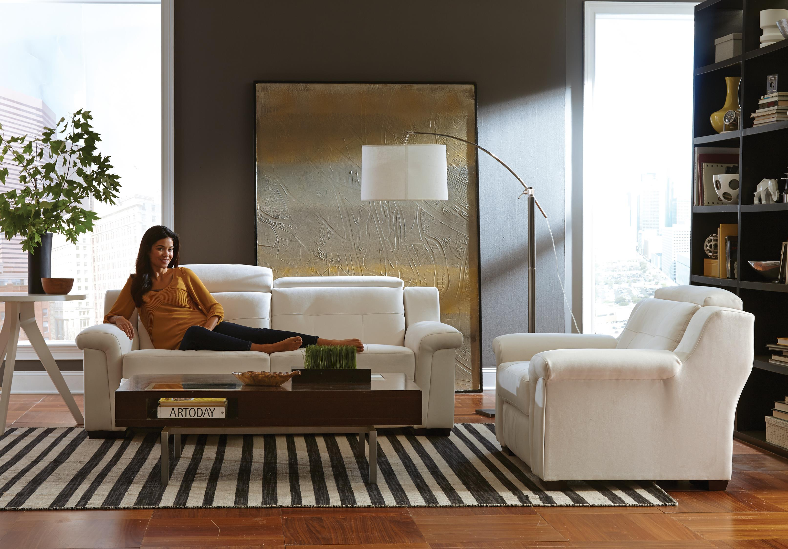 Best Home Furnishings Everette Power Reclining Sofa with