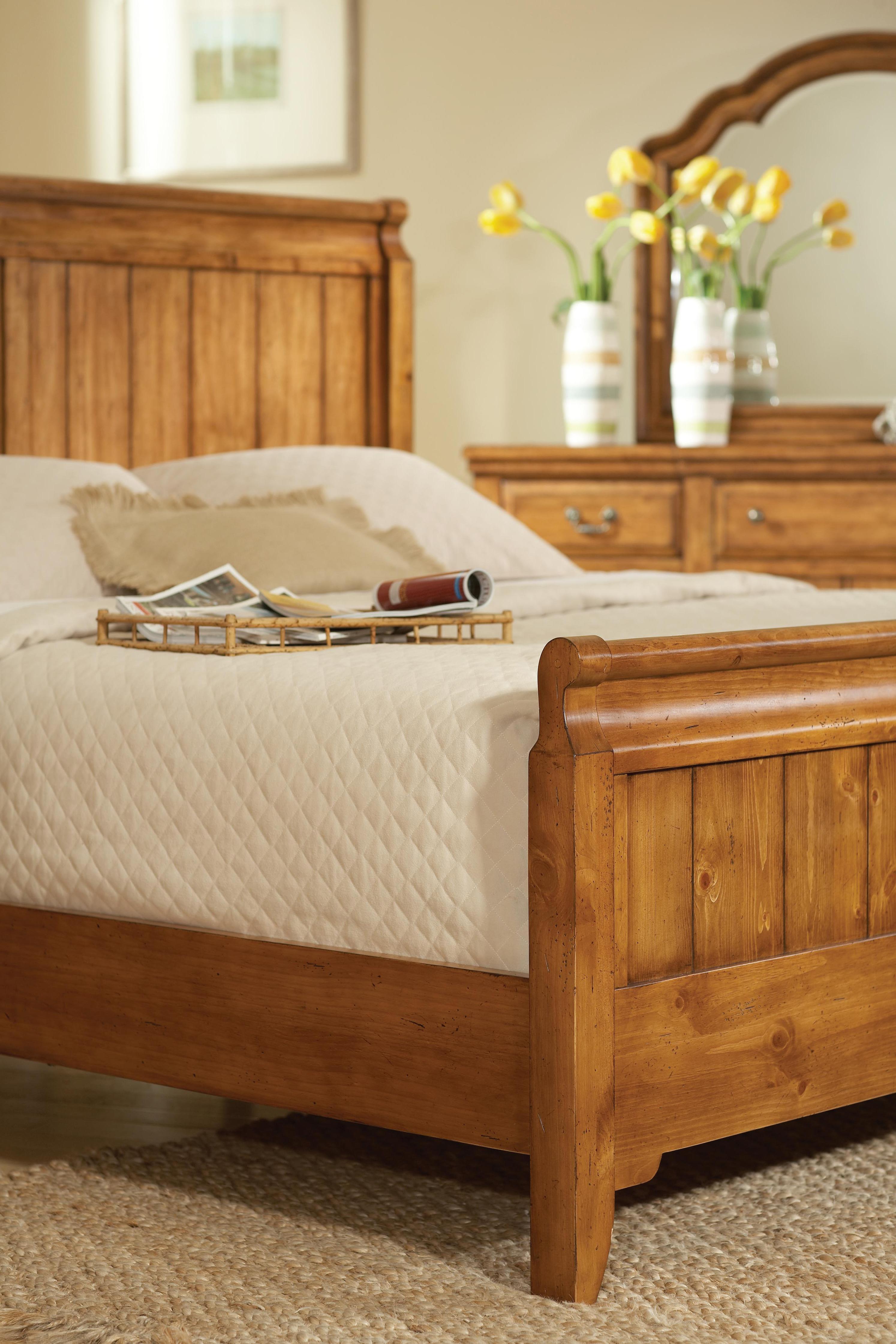 Attic Heirlooms Heritage (4177) by Broyhill Furniture - Pedigo ...