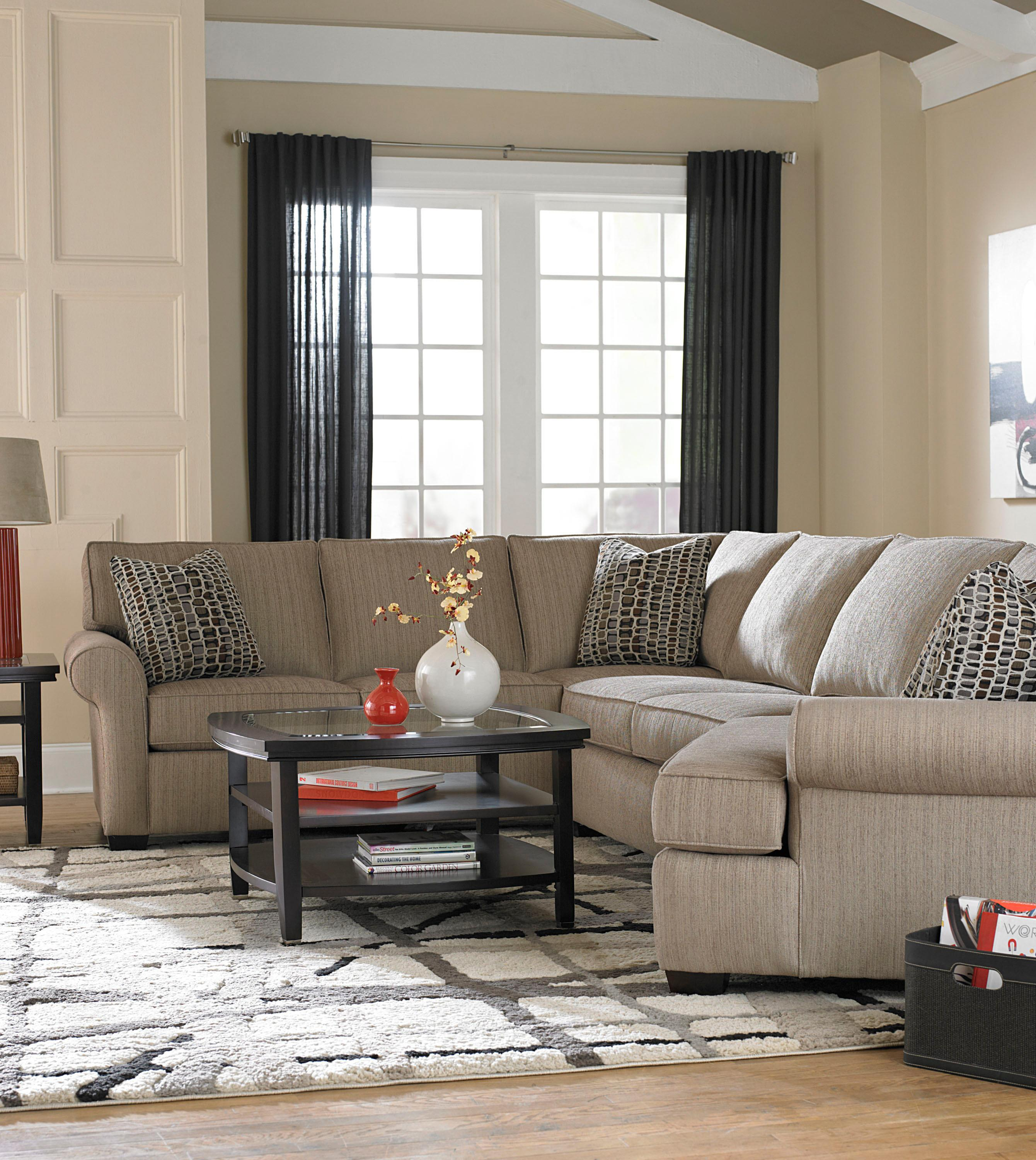 Broyhill Furniture Ethan Transitional Sectional Sofa with Right
