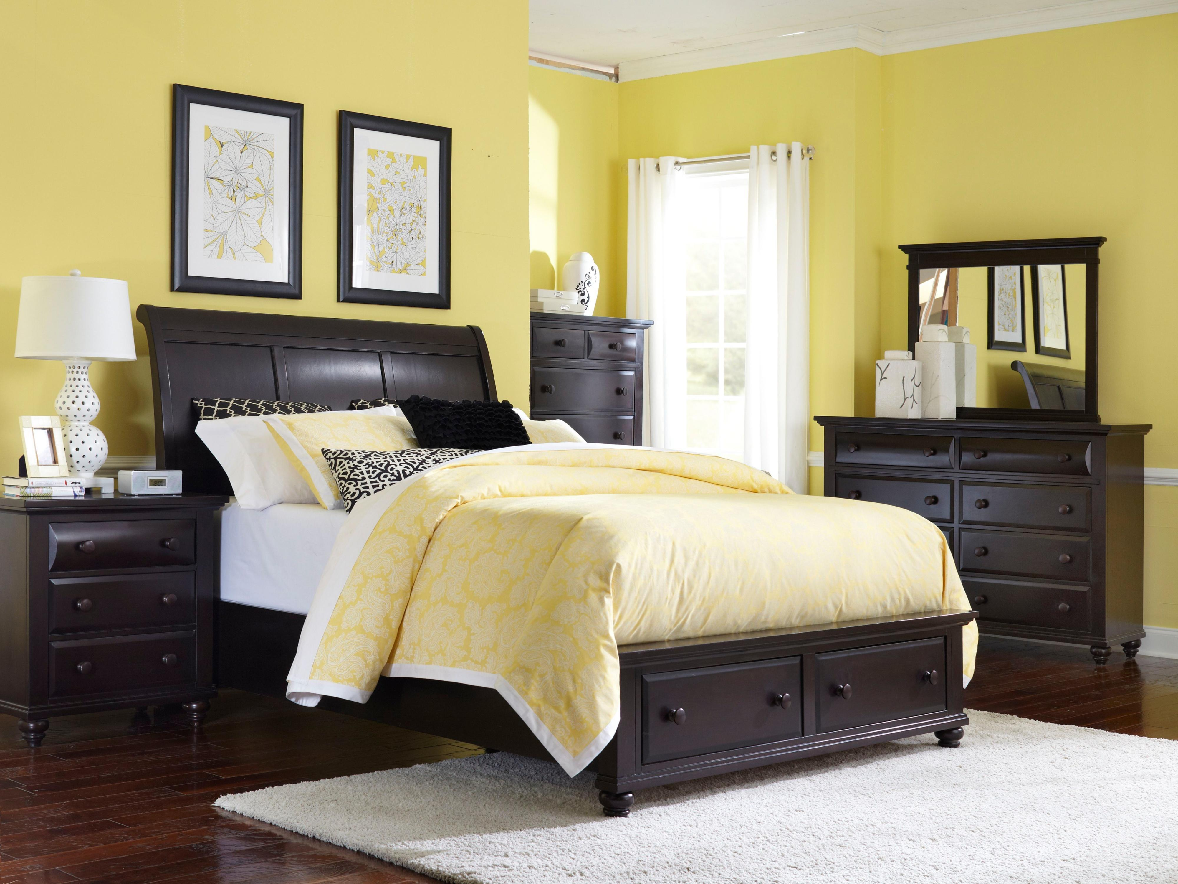 Broyhill Furniture Farnsworth King Bedroom Group - Item Number: 4856 K Bedroom Group 2