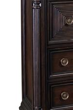 Detailed Pillar Design Featured Throughout Collection