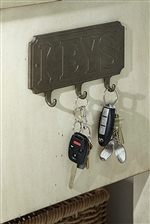 Unique Key Plaque Highlights Antique Charm