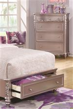 Traditional details and convenient footboard storage.