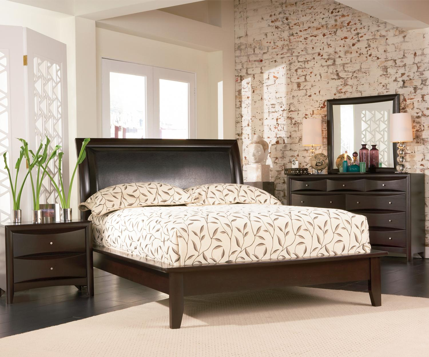 Coaster Phoenix Queen Bedroom Group - Item Number: 300690 Q Bedroom Group 4
