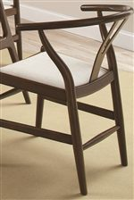 Open and Curved Back on Chair