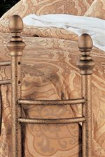 Wraparound Design with Smooth Oval Finials