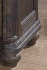 Beautiful Turned Feet and Elegant Moldings