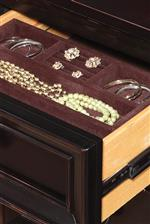 Removable Felt-Lined Jewelery Storage