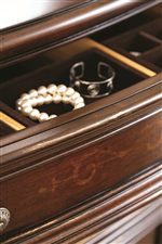 Dresser Features Removable Jewelry Trays