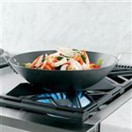 Reversible Burner Grates Accommodate Both Flat and Round-Bottomed Cookware