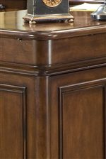 Smooth Rounded Corners And Classic Trim