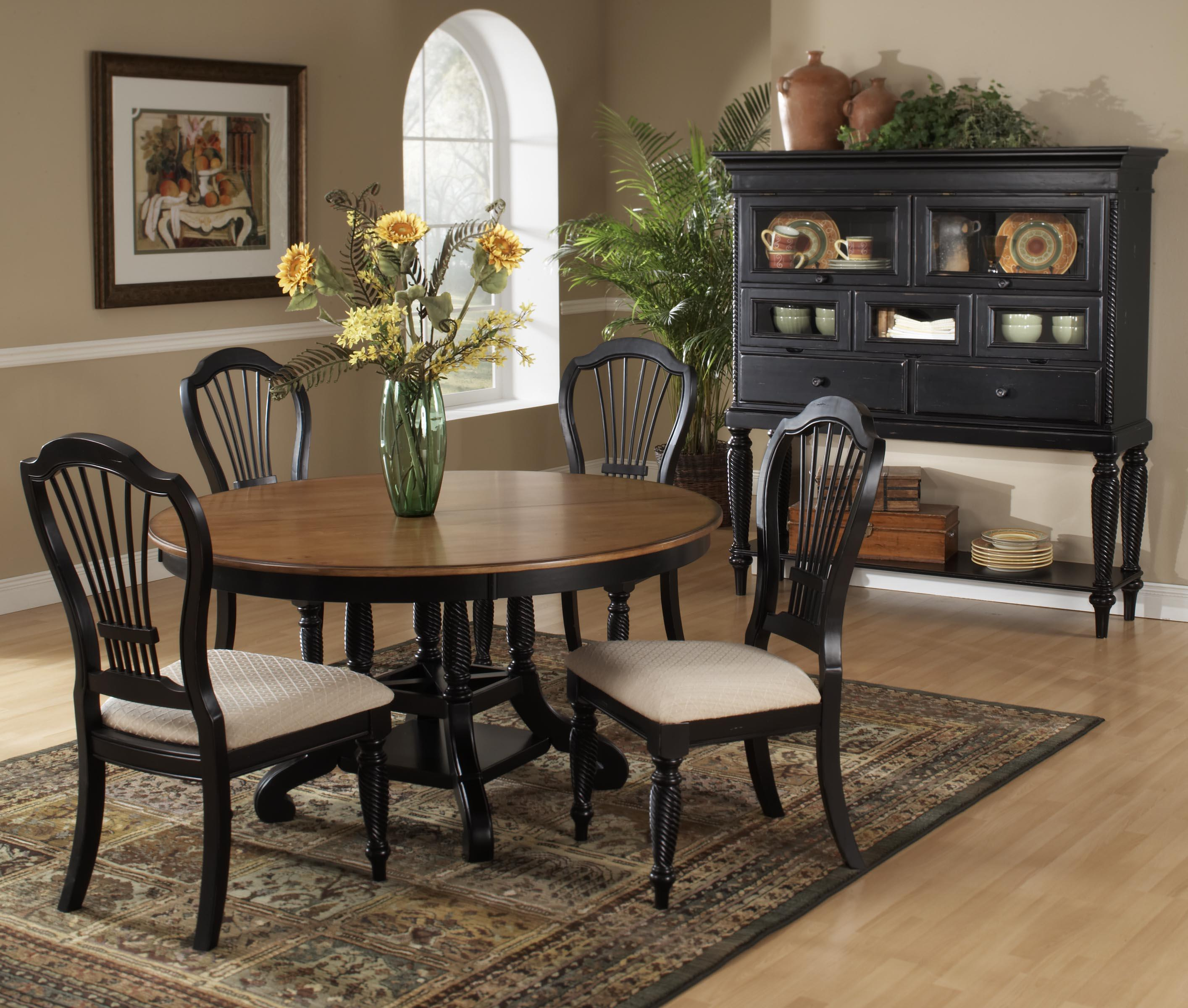 Hillsdale Wilshire Round Two Tone Leaf Dining Table   Westrich Furniture U0026  Appliances   Dining Tables