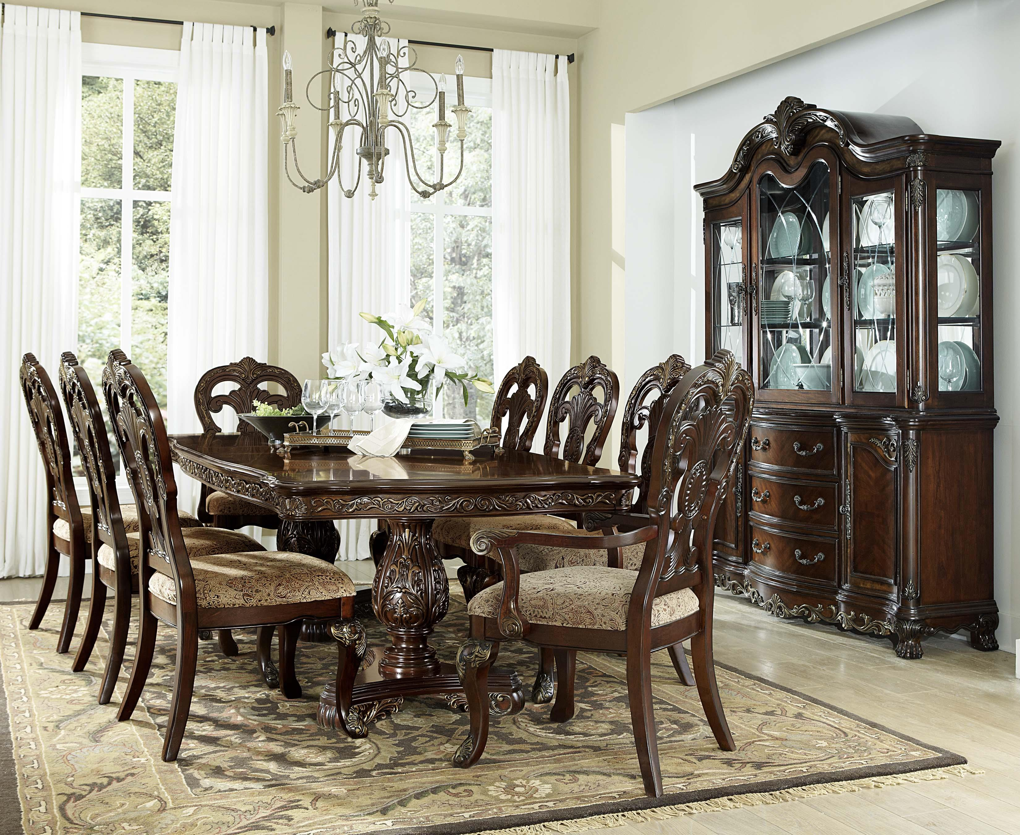 Homelegance Deryn Park Traditional Round Dining Table With Pedestal Base    Wayside Furniture   Dining Tables