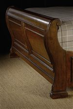 Panel Detailing and Gently Curving Footboard