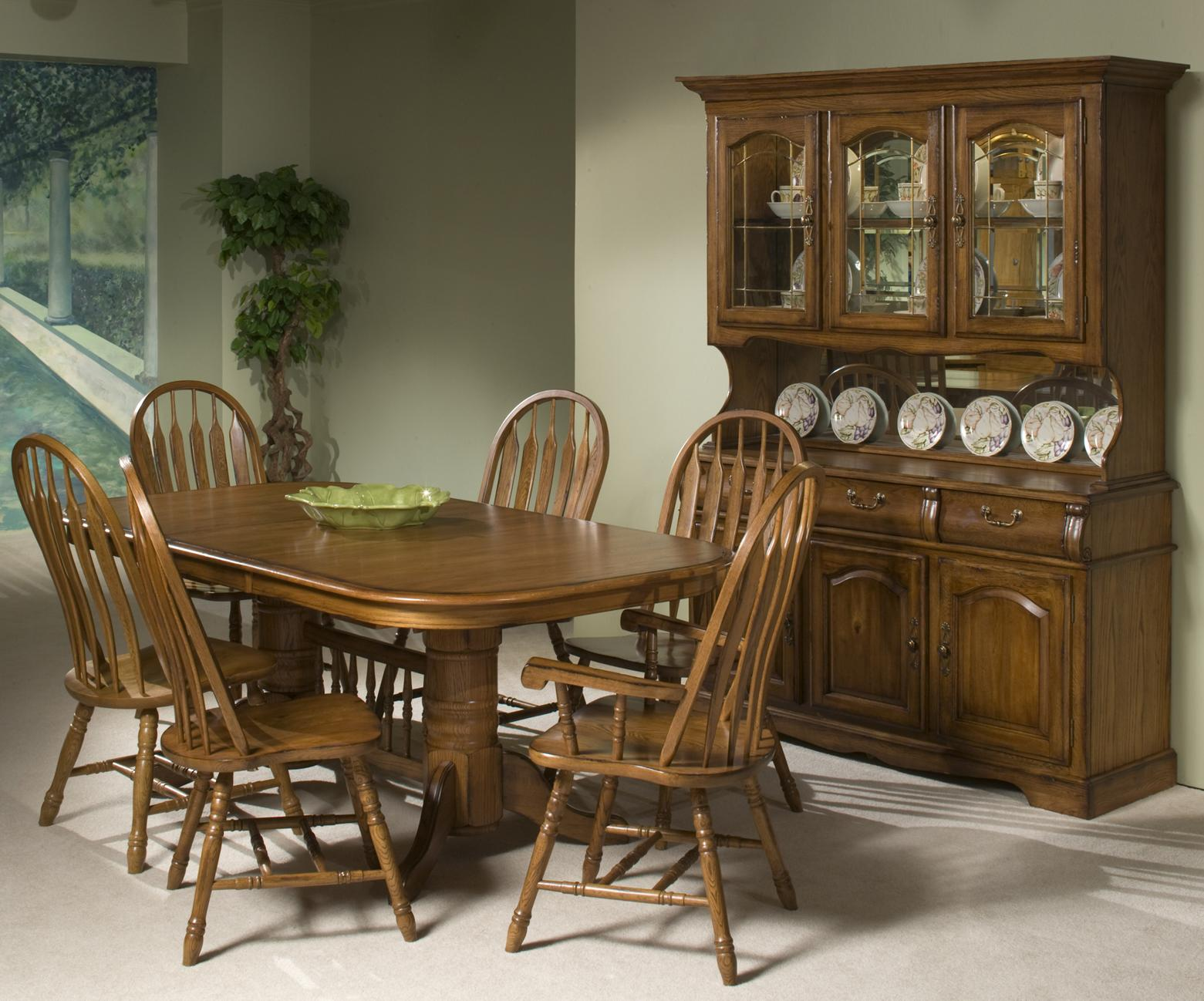 Intercon Classic Oak Formal Dining Room Group - Item Number: CO BRU Dining Room Group 1