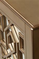 Mirrored Details