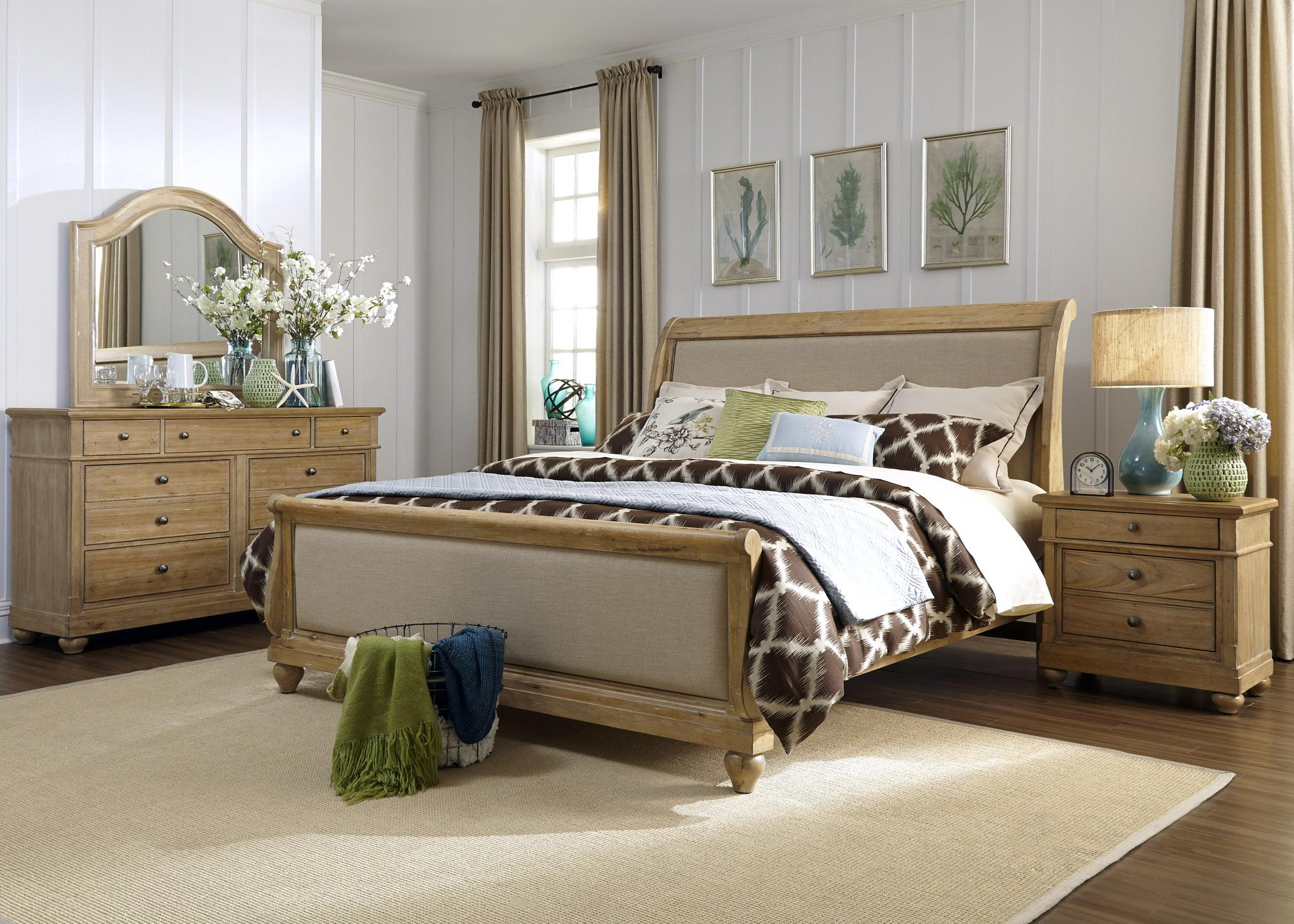 Liberty Furniture Harbor View Queen Bedroom Group - Item Number: 531-BR-QSLDMN
