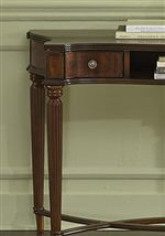 Scalloped Table Top Shape and Reeded Turned Legs with Tulip Feet