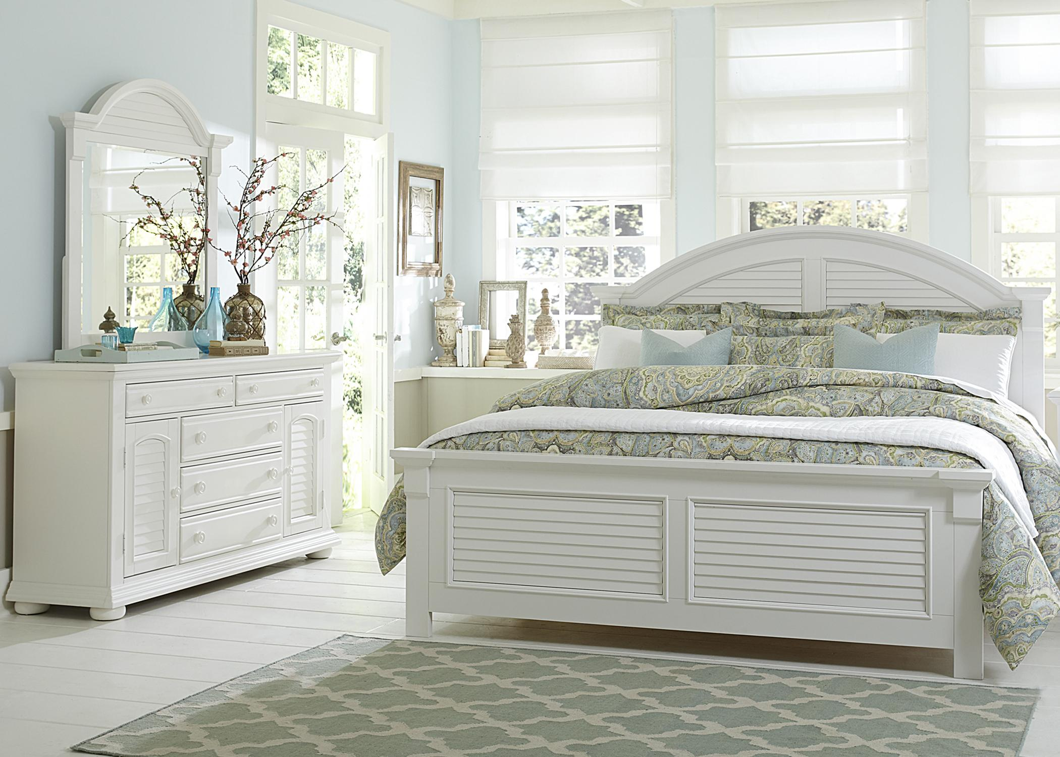 Liberty Furniture Summer House Queen Bedroom Group - Item Number: 607 Q Bedroom Group 2