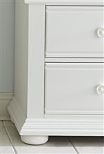 Rounded Bun Feet and Crown Mouldings