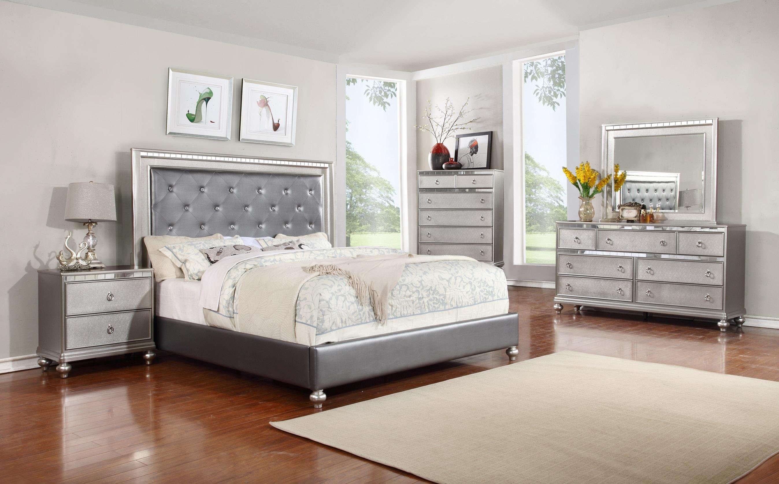 Glam 5pc queen bedroom set rotmans bedroom group for Photo chambre adulte