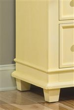 Square Tapered Feet and Waist Molding
