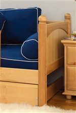 Rounded Posts on End of Bed