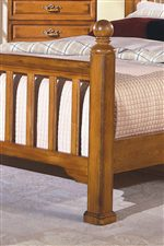 Slat Footboard and Headboard Features of the Poster Bed