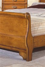 The Classic Form of the Sleigh Bed Add a Refreshing Touch to Your Decor