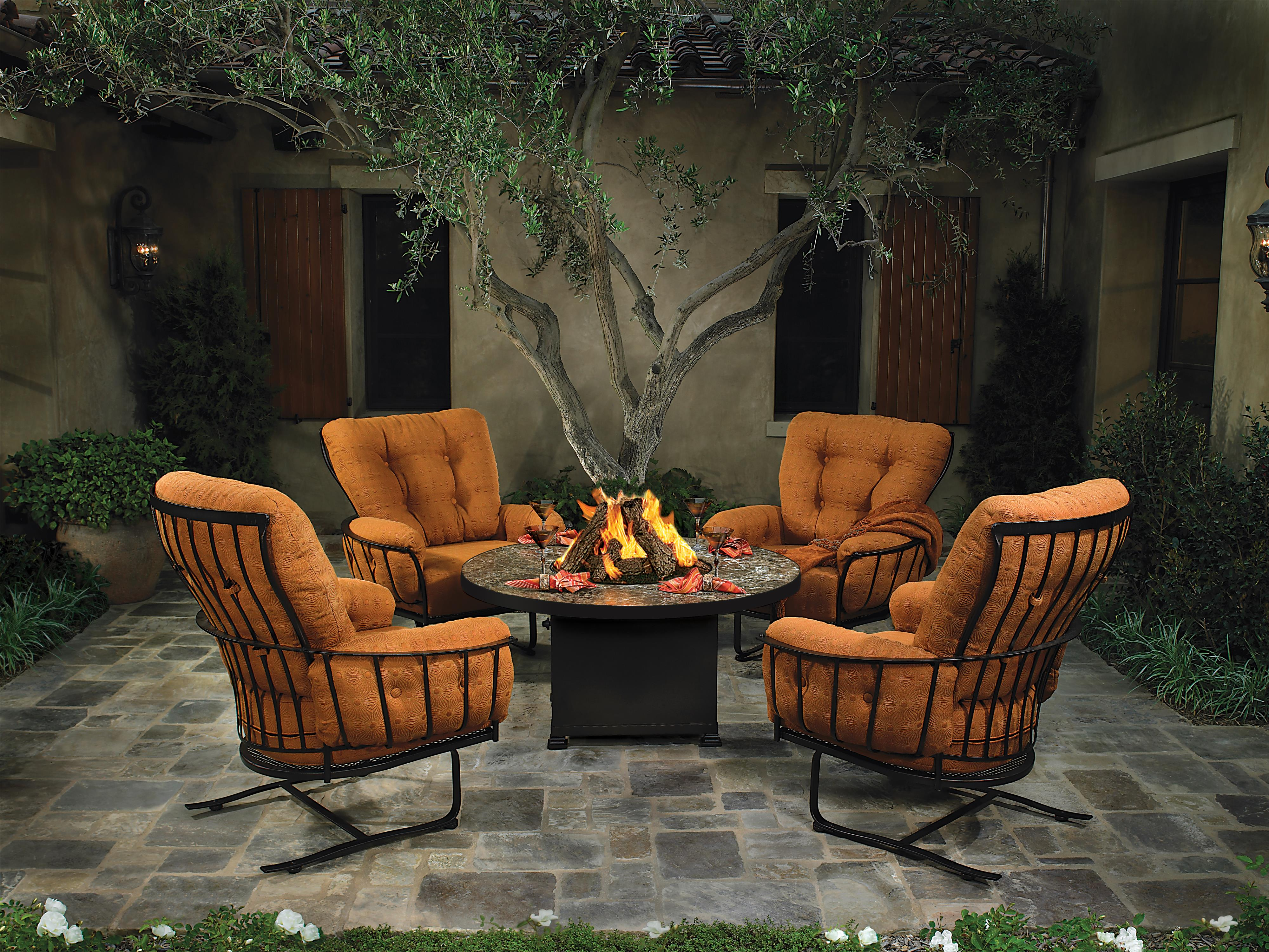 5 Pc Fire Pit and Chairs Outdoor Room Group