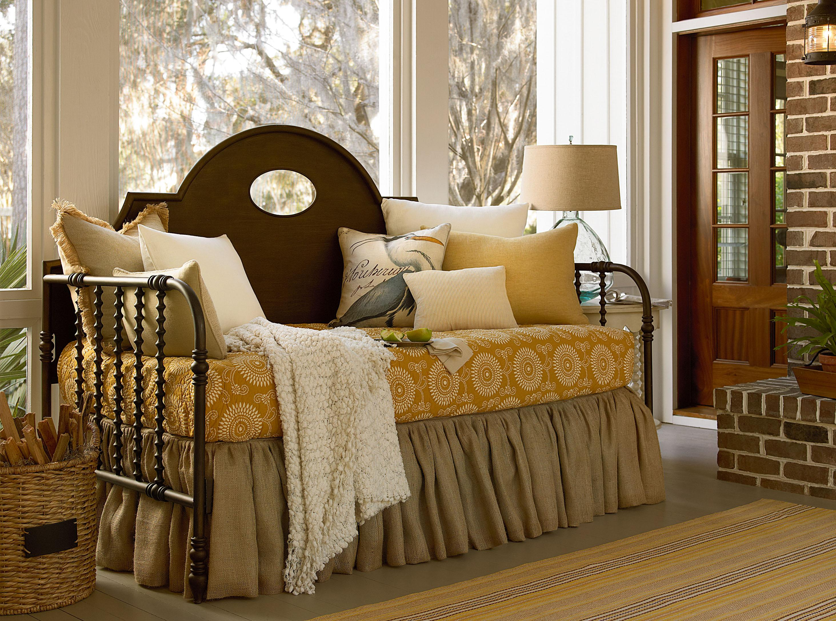 Captivating Paula Deen By Universal River House The Guest Room Queen Size Bed With  Metal Spool Frame | Sprintz Furniture | Panel Beds Nashville, Franklin, ...