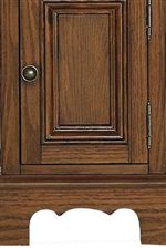 Scalloped Apron and Paneled Door Design