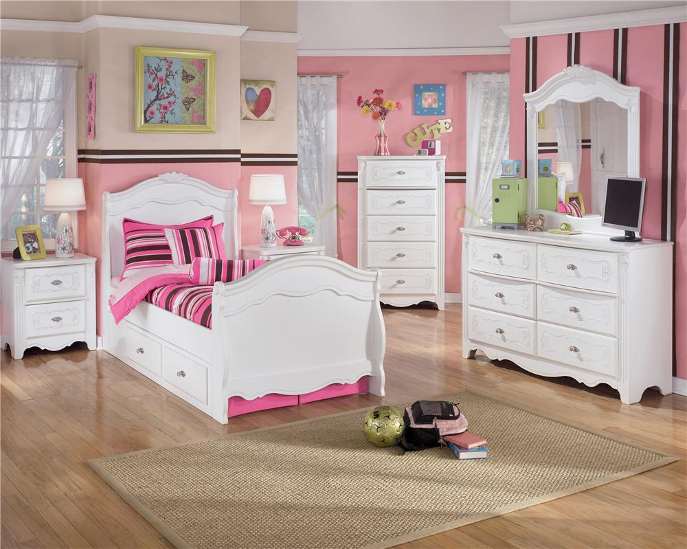 Signature Design by Ashley Lil\' Darling Full Ornate Poster Bed ...