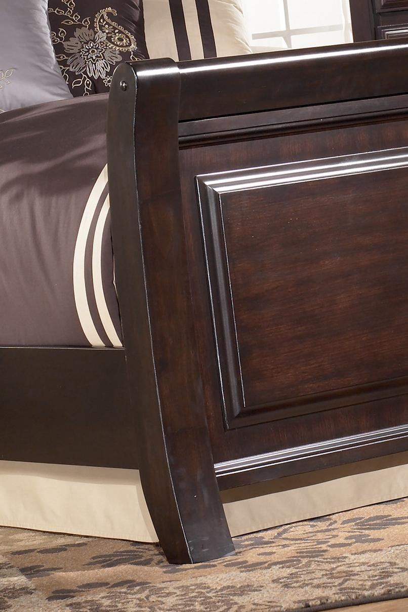https://images.furnituredealer.net/img/collections%2Fsignature_design%2Fridgley_520-db1.jpg
