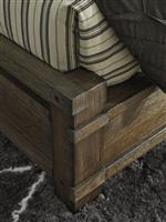 Bed Posts Inspired by Rustic Style