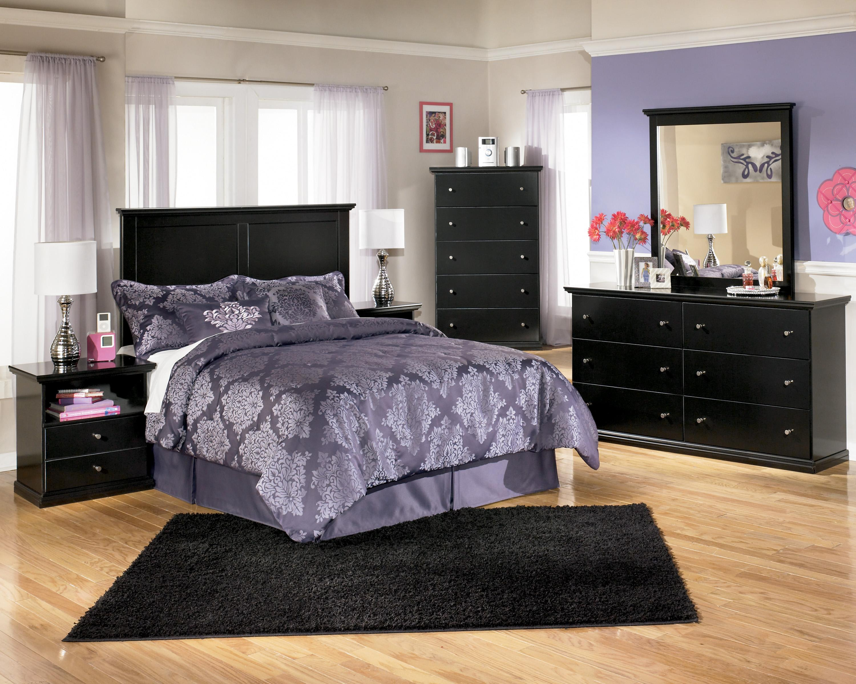 Signature Design by Ashley Maribel King Bedroom Group - Item Number: B138 K Bedroom Group 4