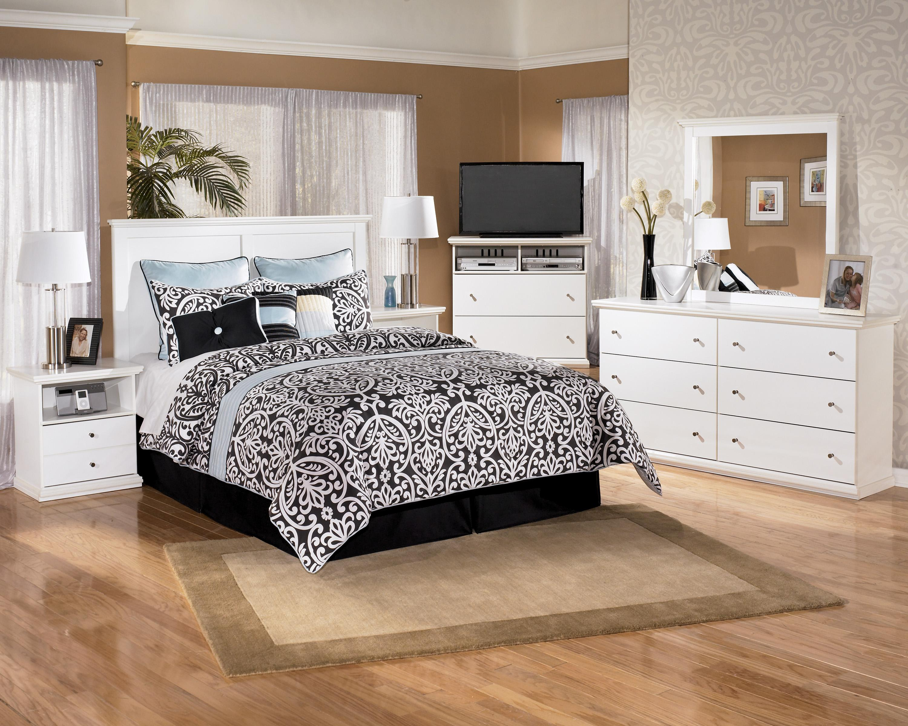 Signature Design by Ashley Bostwick Shoals Queen Bedroom Group ...