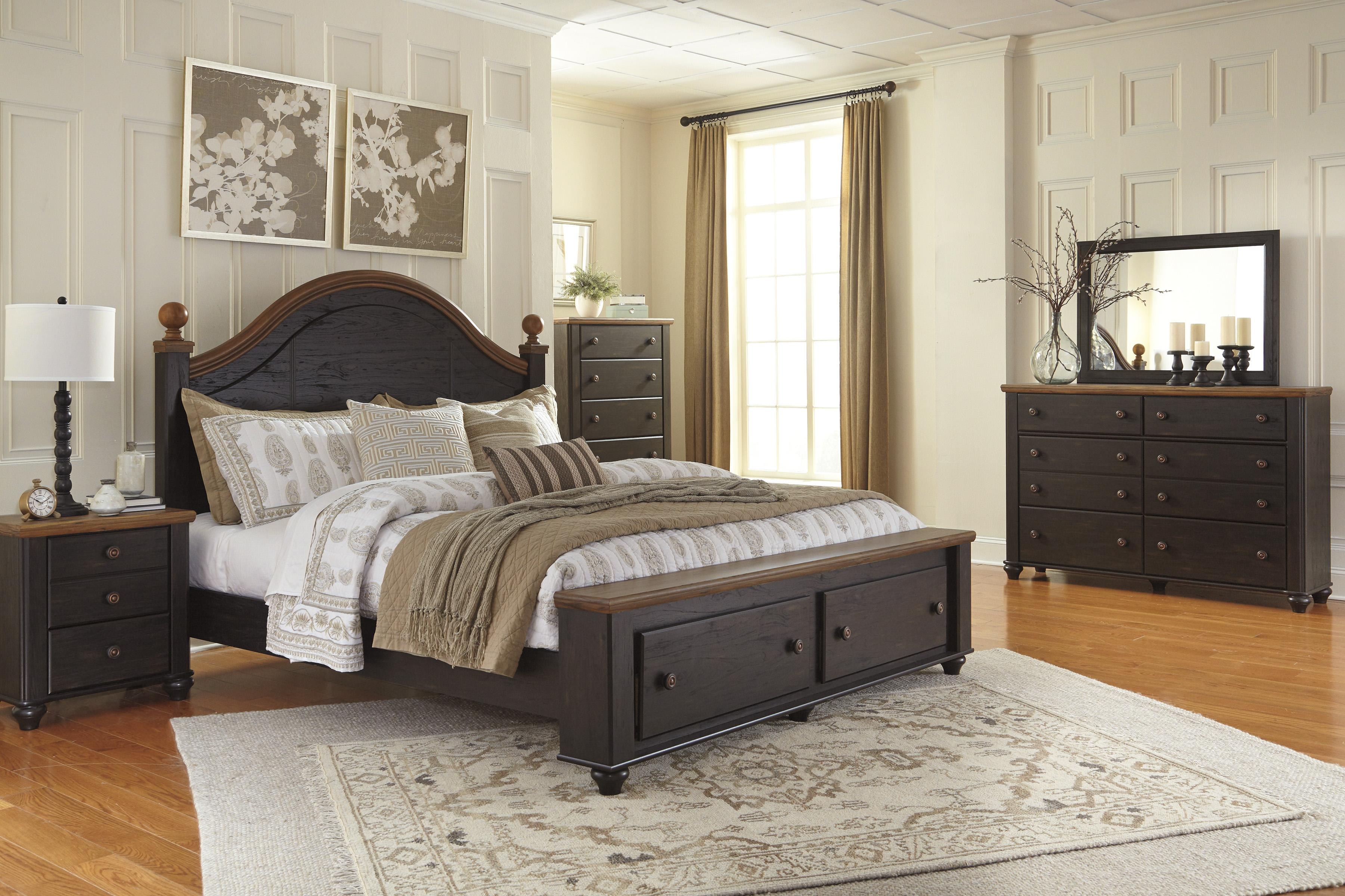 Signature Design by Ashley Maxington Queen Platform Bed with