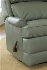 Exterior Handle Allows Three Position Reclining