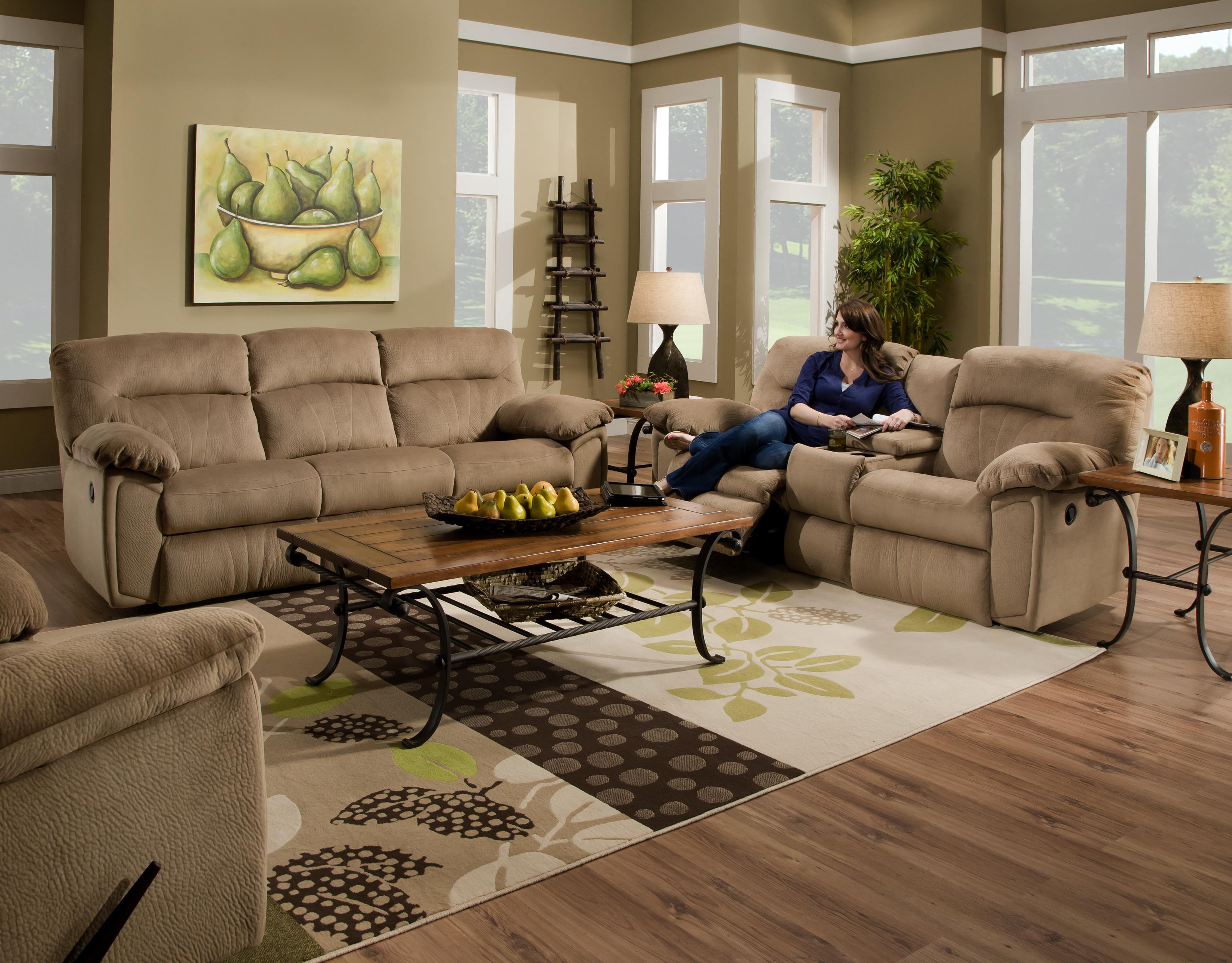 Southern Motion Splendor Collection 591 Reclining Sofa with 2