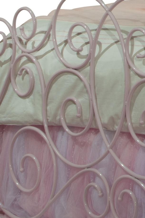 Princess Canopy Beds 90000 By Standard Furniture Dealer