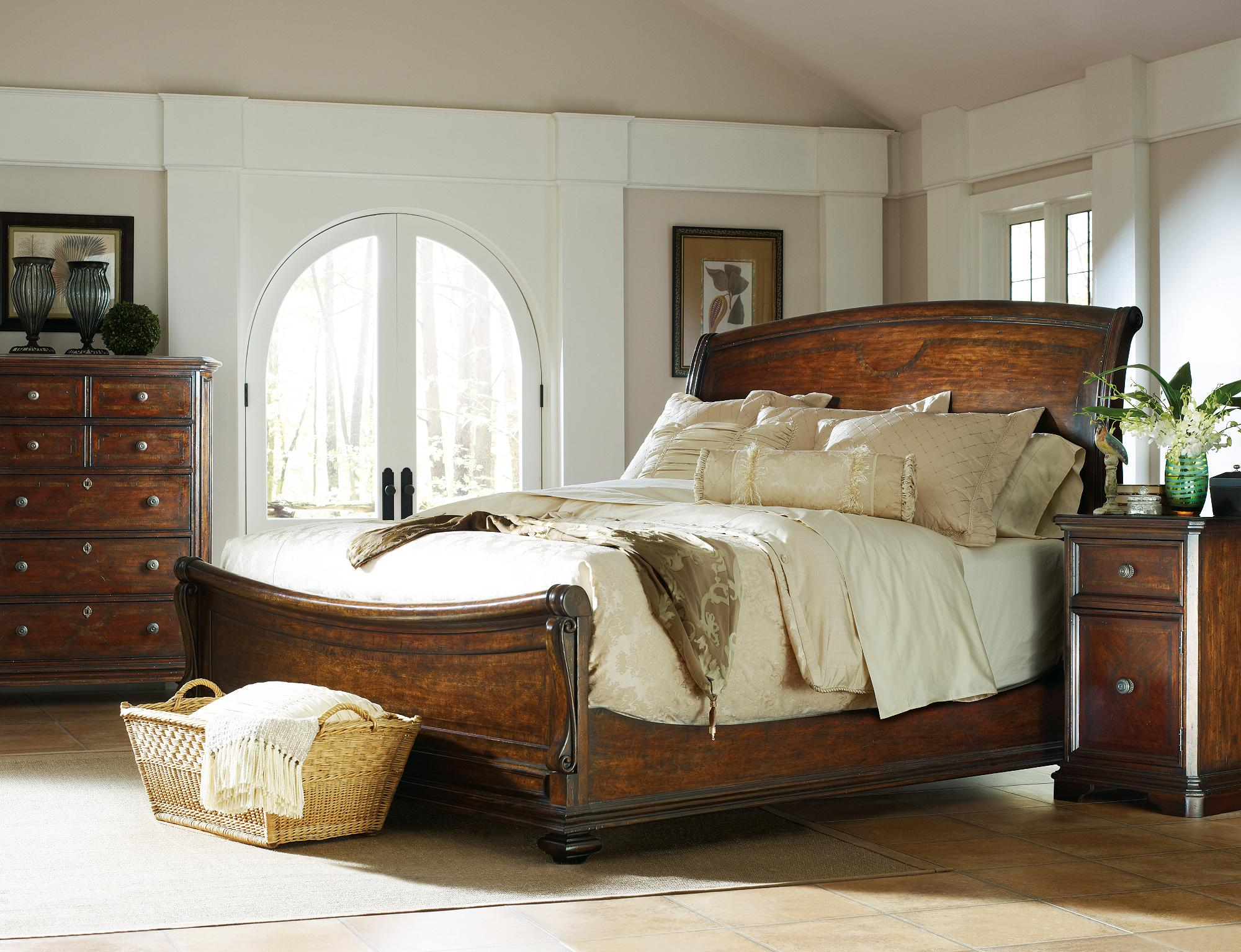 Stanley Furniture The Classic Portfolio Continental California King Bedroom Group - Item Number: 128-13 CK Bedroom Group 2
